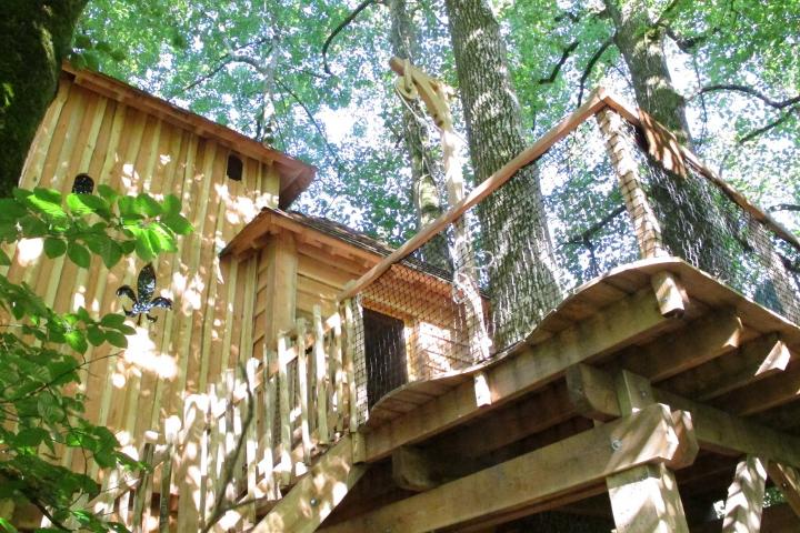 cabane-famille-bearn-pyrenees-arbres